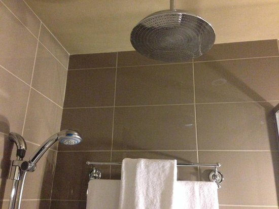 Hotel Place d'Armes: Nice shower