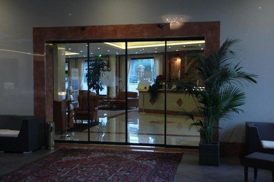 Palace Hotel Legnano: Reception