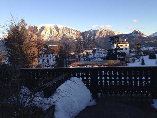Hotel Bemelmans-Post : Blick von der Terrasse auf den Schlern