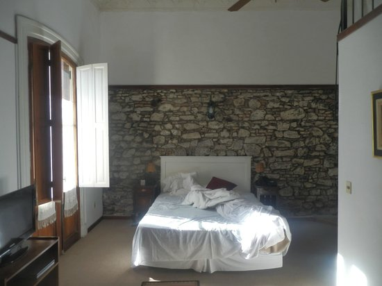 Hotel Posada del Virrey : chambre ambiance retro