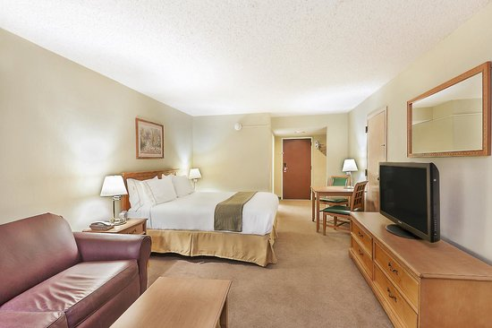 Ihg Army Hotels On Fort Drum Inn King Room