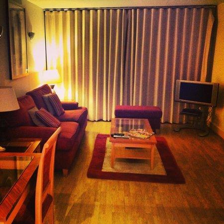 Marlin Apartments - Empire Square: Living area