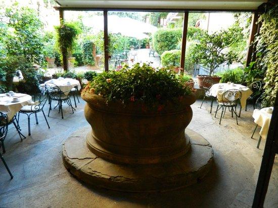 Hotel Monna Lisa: Gardens