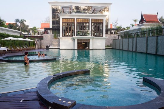 Maikhao Dream Villa Resort and Spa: Piscine