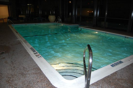 Sheraton Harrisburg-Hershey : indoor/outdoor pool