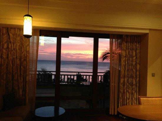 Shangri-La's Boracay Resort & Spa: Sunset from room 325