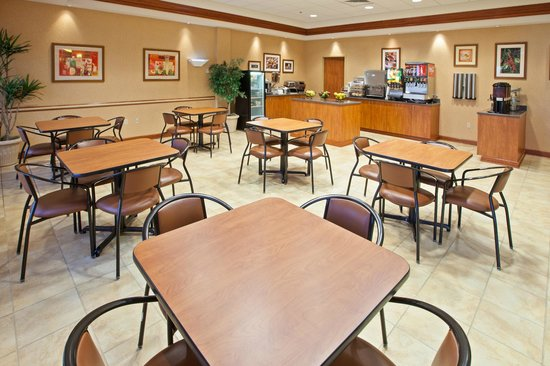 IHG Army Hotels Newgarden Inn: Breakfast Area