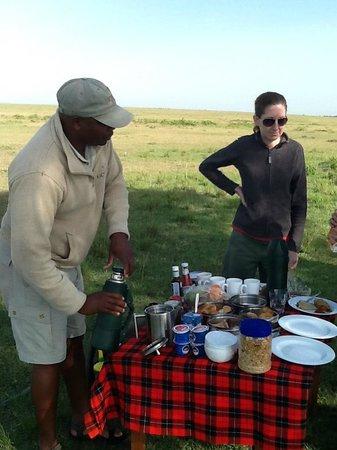 Kicheche Bush Camp: Breakfast on the Mara!