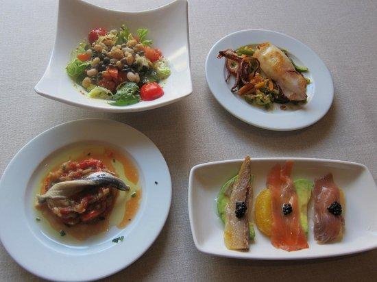Restaurante La Palmera: Diferentes platitos del menú degustación