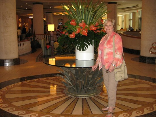 Loews Miami Beach Hotel: Lobby