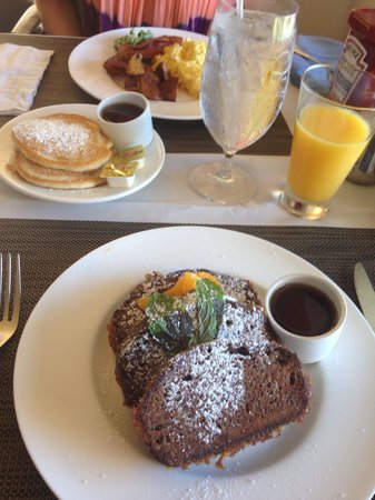 The Westin St. John Resort: Breakfast at hotel restaurant