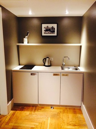 Hotel AMANO : Kitchenette