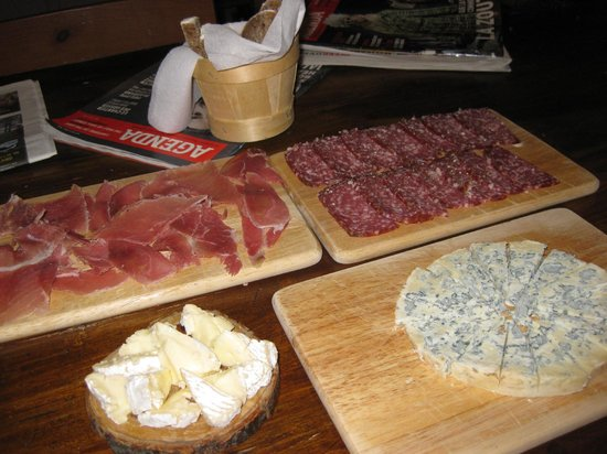 Delices and Caprices : Selection of cheeses & meats to snack on