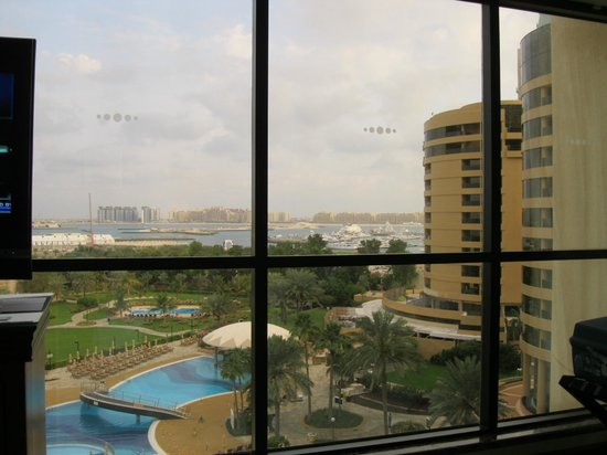 Le Royal Meridien Beach Resort & Spa: Double aspect view from room