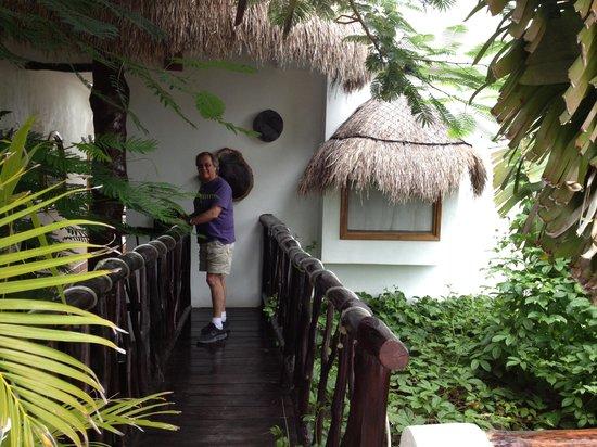 Posada Yum Kin: Entrance to Hotel