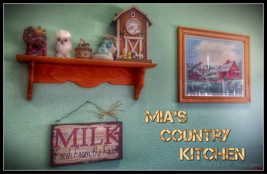 Country style comfort cookin picture of mia 39 s country for Cal s country kitchen