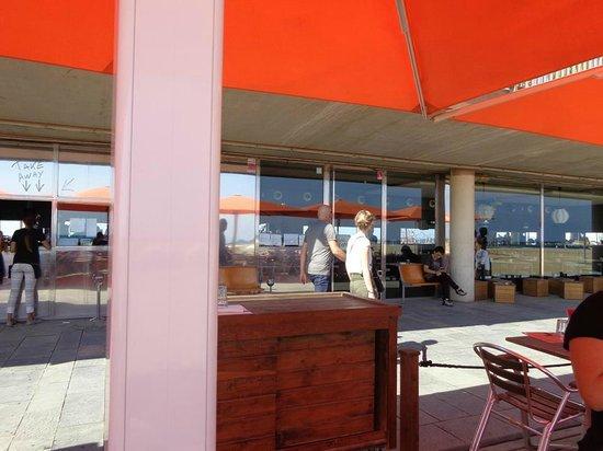 Sal Cafe : Vista de la parte exterior