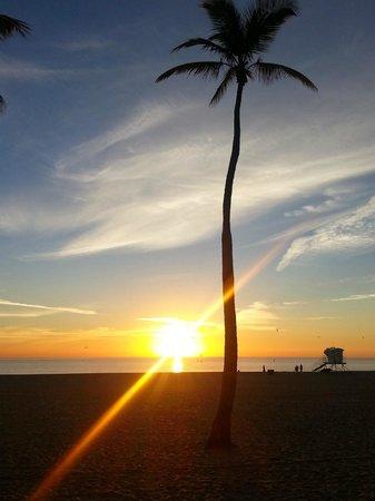 Fort Lauderdale Beach Park: Sunrise at the beach