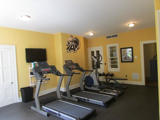 IHG Army Hotels on West Point (Bldg 109): Fitness Room
