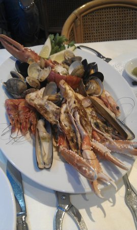 El Cangrejo Loco: Тарелка морепродуктов