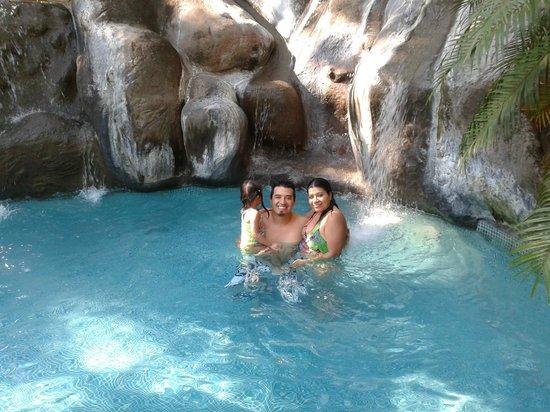 El Sano Banano Village Hotel: pool del ylang ylang