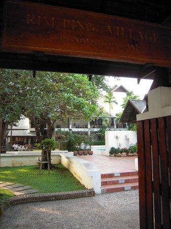 Rimping Village: Entryway