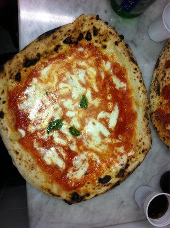 L'Antica Pizzeria da Michele: Doppio Formaggio... ��