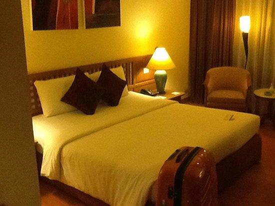Silom Serene: Bed