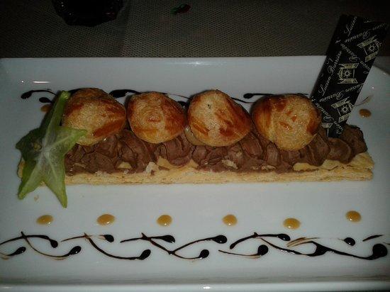 La Brasserie du Resort : Saint Honoré au chocolat