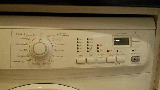 Somerset Sukhumvit Thonglor Bangkok : wash & dryer