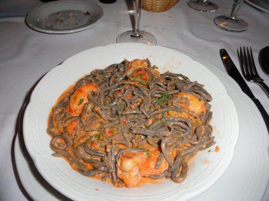 Sottovoce: Spaguetti Nero con Lagostin