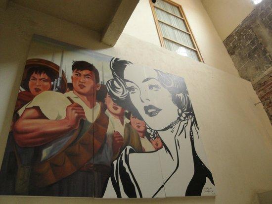 Hotel Casa Lola: Wall Art
