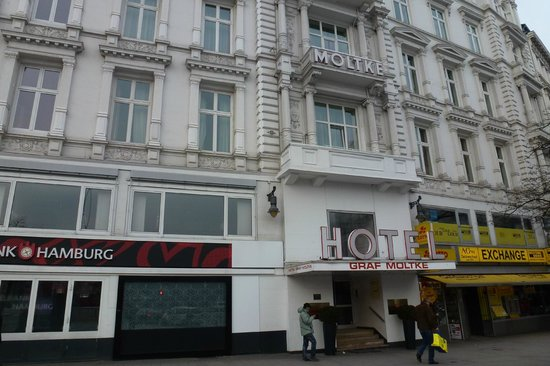 Novum Hotel Graf Moltke Hamburg: Front of hotel