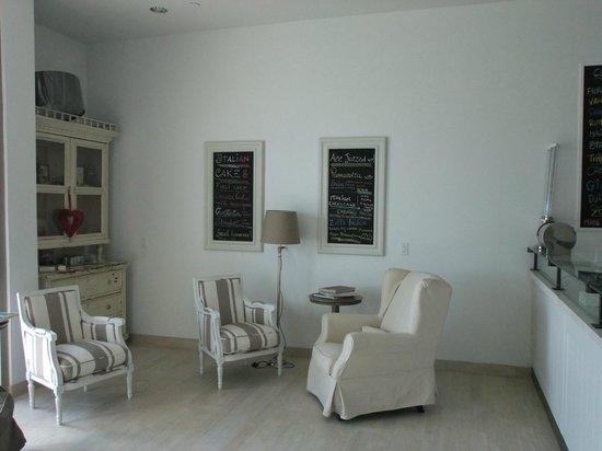 Gelato & Co. Cremeria Italiana: view from inside