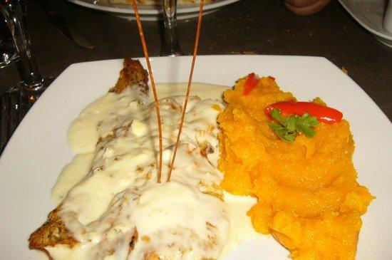 Chamonix: Congrio al roquefort con puré de calabaza