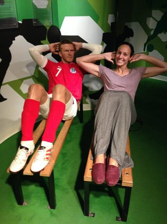Madame Tussauds Bangkok: Just a little exercise with Beckham