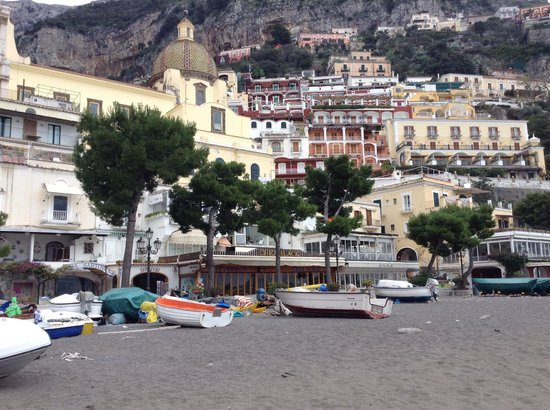 Iaccarino Sorrento Limousine Service: One of the towns of the almalfi coast