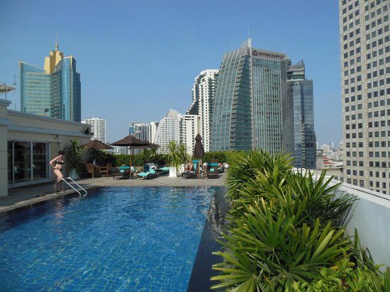 Rooftop Pool Picture Of Park Plaza Sukhumvit Bangkok