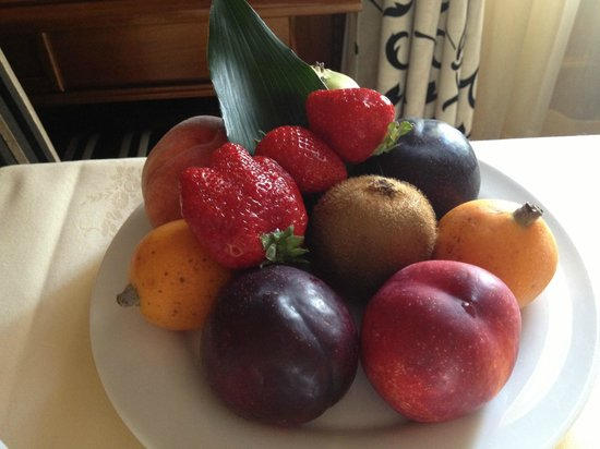 The Westin Excelsior Florence: fruit plate!