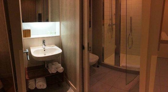 Residence Inn Edinburgh: baño