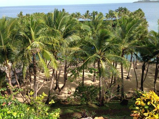 Wananavu Beach Resort: View from dining deck