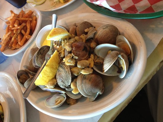 15th Street Fisheries: Not so good clams. Where's the beef!