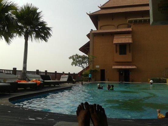 Pullman Putrajaya Lakeside : the pool