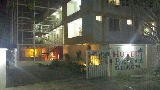 보카치카 비치 호텔
