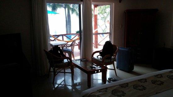 Hotel La Joya: Room by the pool