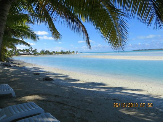 Aitutaki Village: Beautiful Beach at Samade