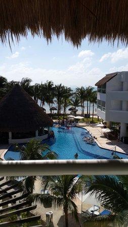 Isla Mujeres Palace: Vista desde el cuarto.