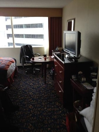 DoubleTree by Hilton Nashville-Downtown : Room 615 - only a computer chair in the room