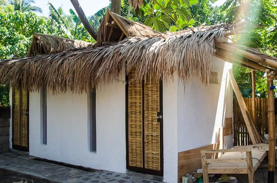 Bongo Bongo Divers : New Bathroom (exterior)