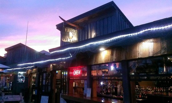 Pirates Pub and Grub: Beautiful sunset
